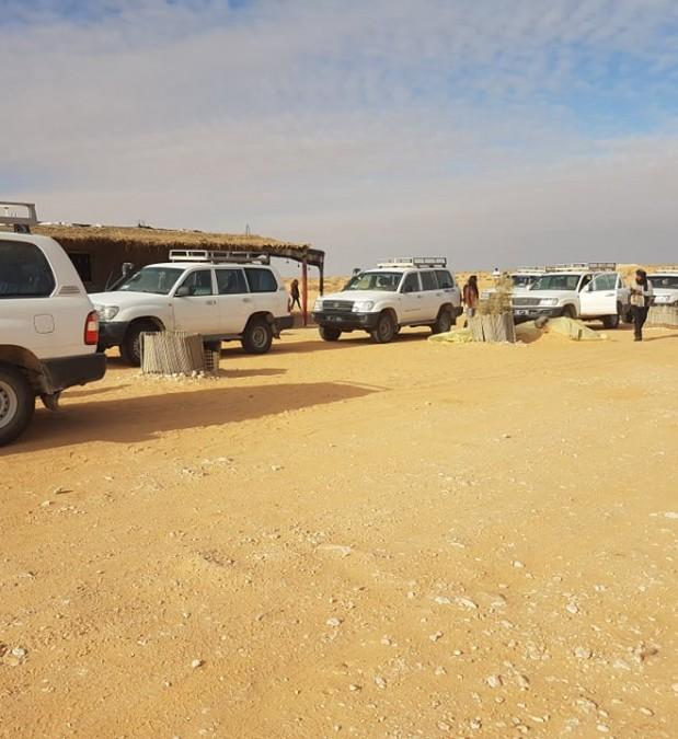 Ramla Voyages Agence de Voyages  Douz Tunisie Travel Agency Douz Tunisia Dromadaires Chameaux Sahara Douz Circuits 4X4 Circuits 4x4
